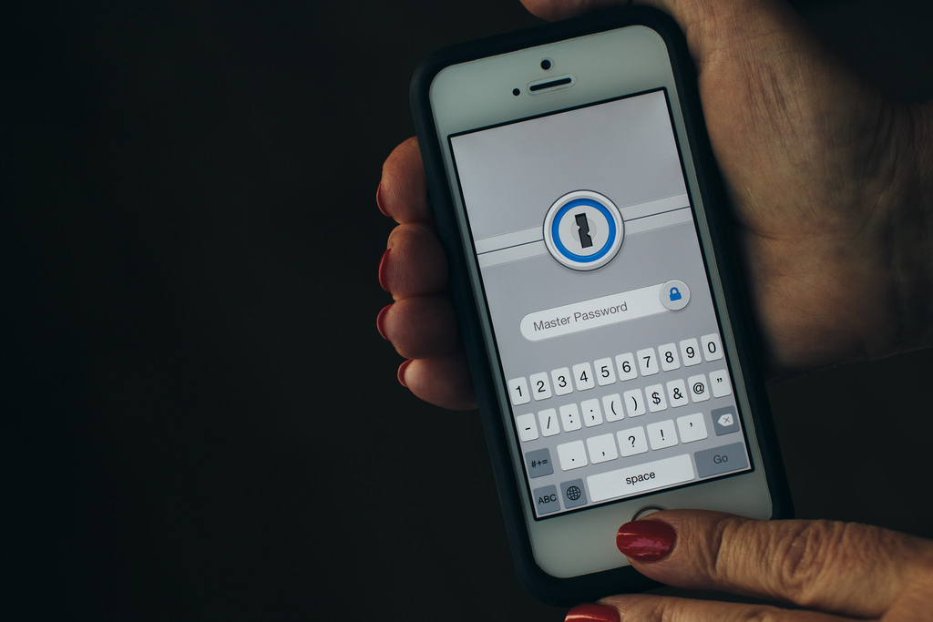 3 Ways Your Phone Is Tracking You